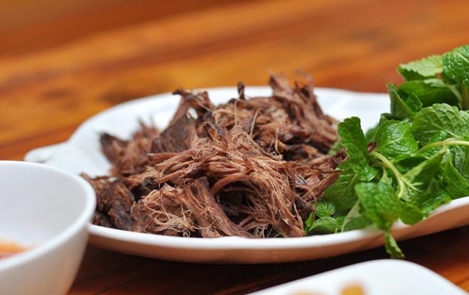 Thịt trâu gác bếp Mộc Châu